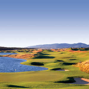 Sanpines Golf Links: #18 &amp; #16