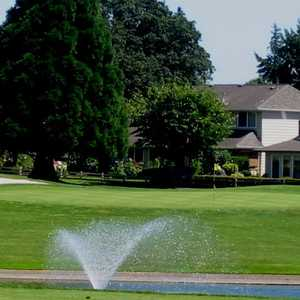 Summerfield GCC: Clubhouse &amp; #9