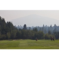 The 10th hole on the Big Meadow Golf Course at Black Butte Ranch is a par-5 dogleg right.