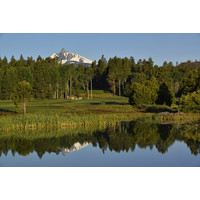 The backdrop of the Cascade Mountains is one of the elements that make the Glaze Meadow Course at Black Butte Ranch special.