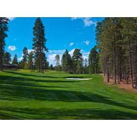 The par-4 ninth hole on the Glaze Meadow Course at Black Butte Ranch features an uphill approach.