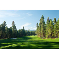 The 10th hole on the Glaze Meadow Course at Black Butte Ranch is a difficult 549-yard par 5.